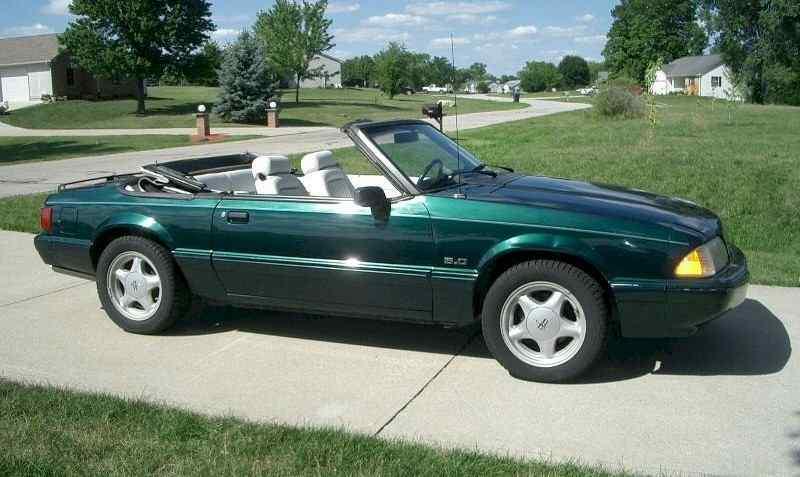 فورد موستانج 1990 LX 5.0 الأخضر الزمردي