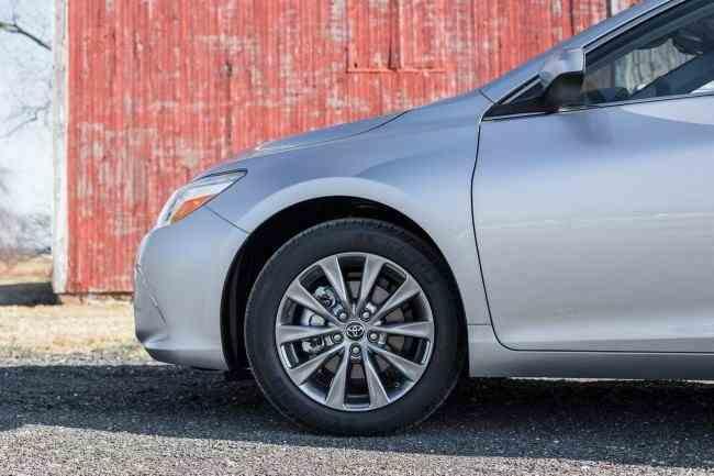 2015-Toyota-Camry-10