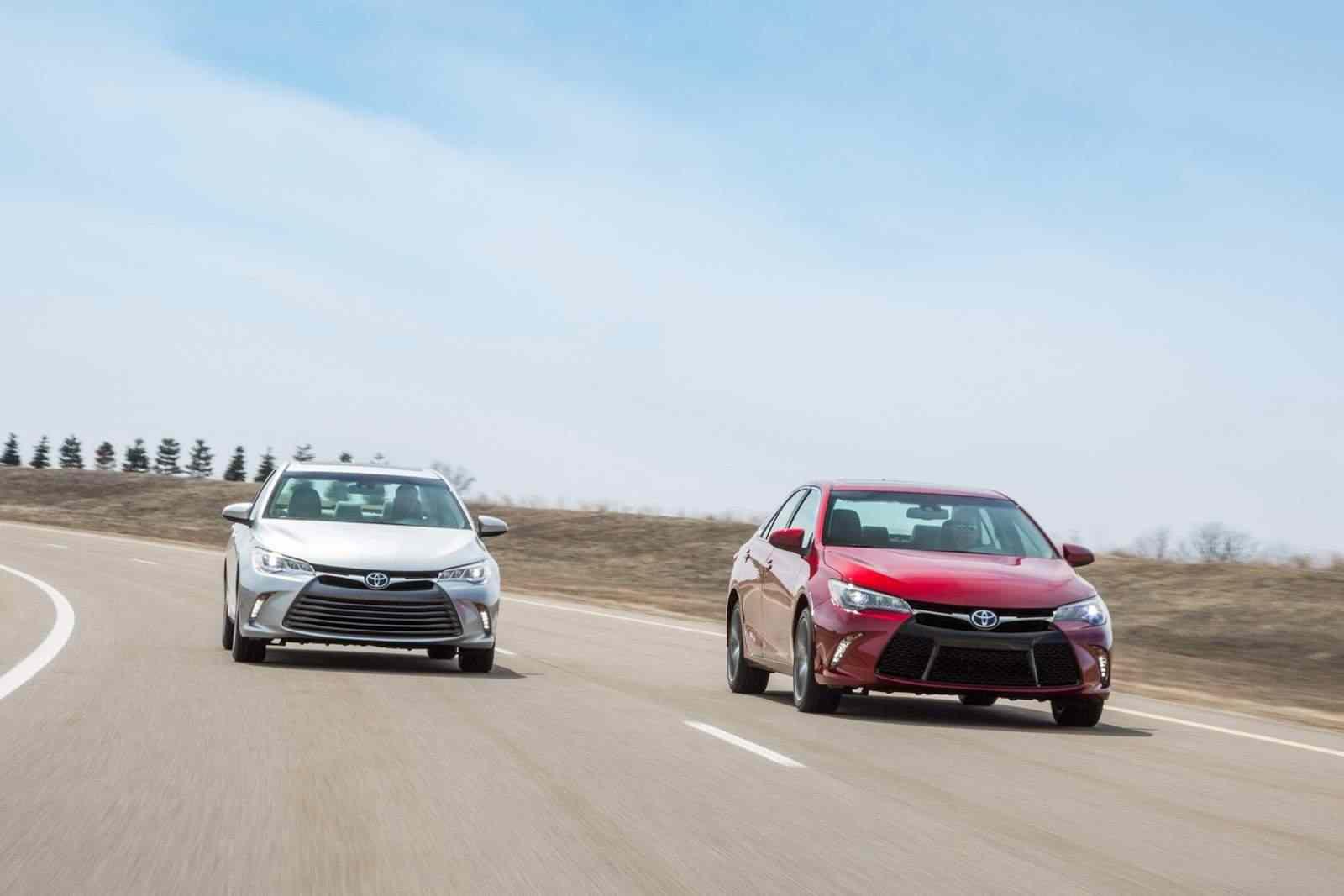 2015-Toyota-Camry-2