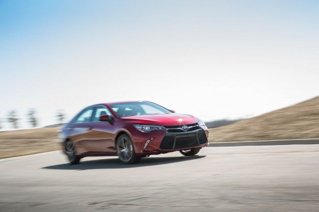 2015-Toyota-Camry-45