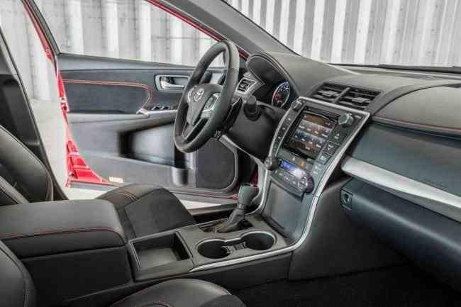 2015-Toyota-Camry-5