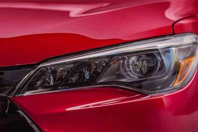2015-Toyota-Camry-54
