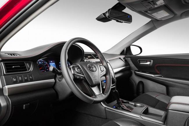 2015-Toyota-Camry-56