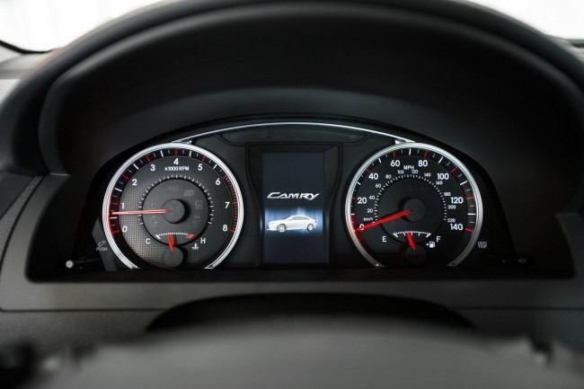 2015-Toyota-Camry-59