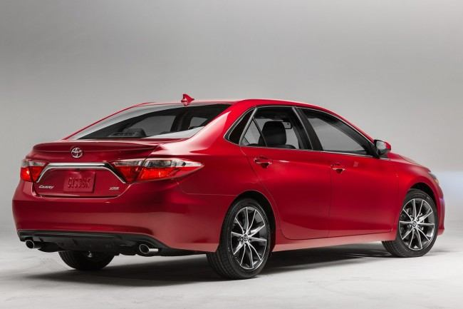 2015-Toyota-Camry-65