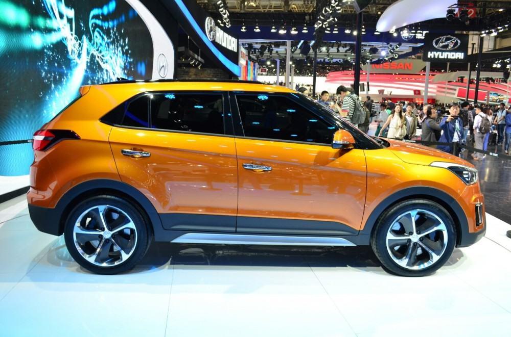 Hyundai-ix25-side-at-Auto-China-2014