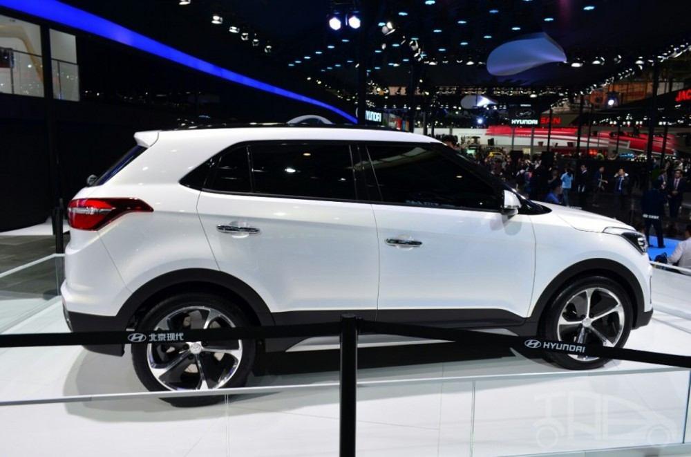 Hyundai-ix25-white-side-at-Auto-China-2014-1024x677