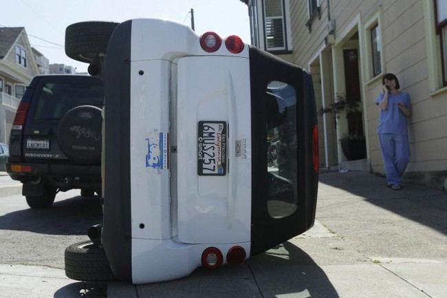 san-fran-smart-car-tipping