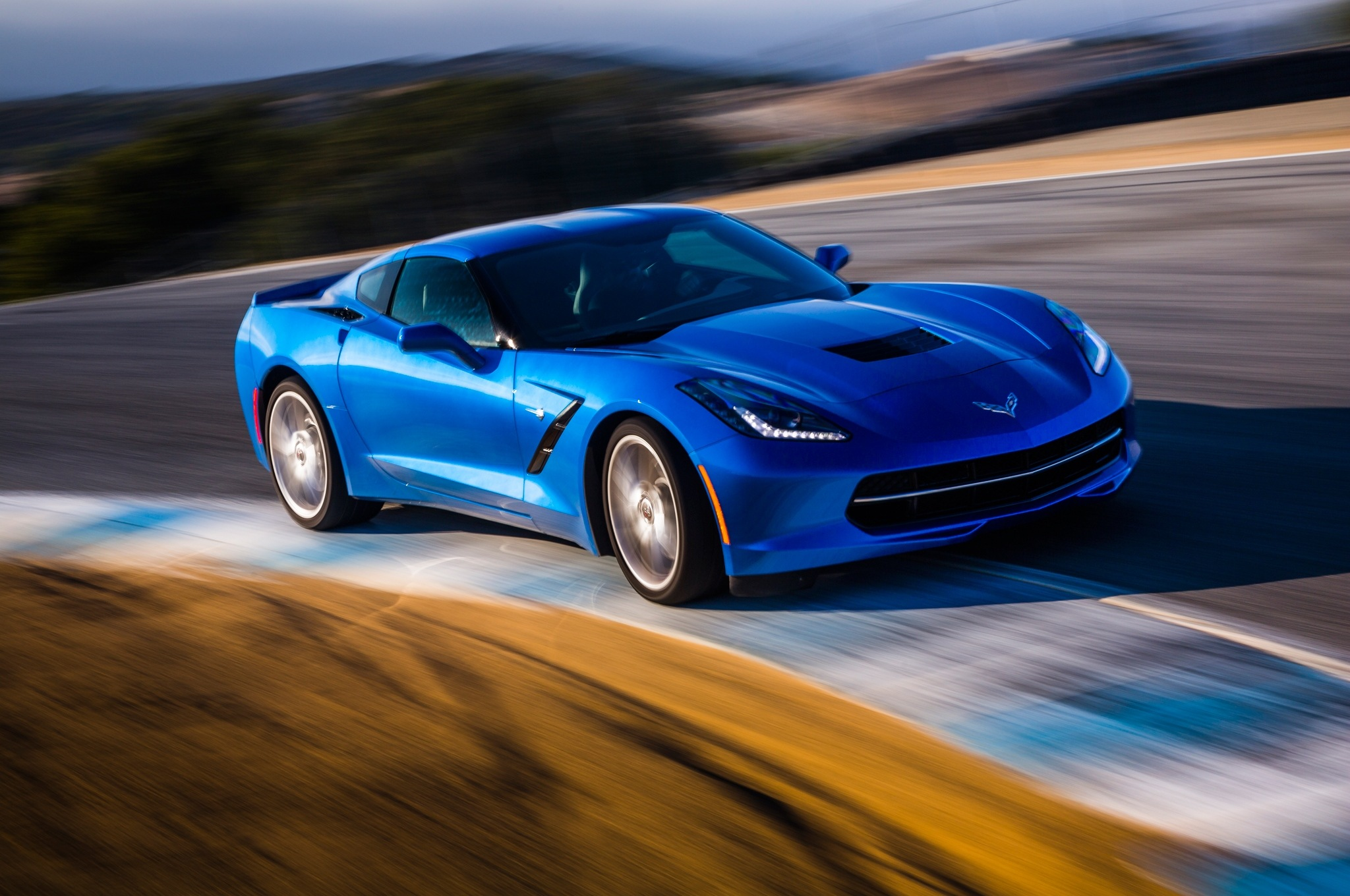 2014-Chevrolet-Corvette-Stingray-z51-front-end-in-motion