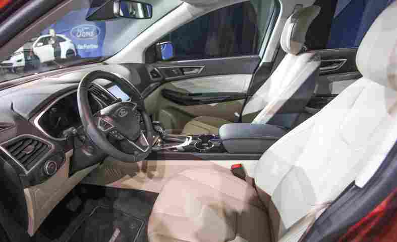 2015-ford-edge-titanium-interior-photo-610072-s-787x481