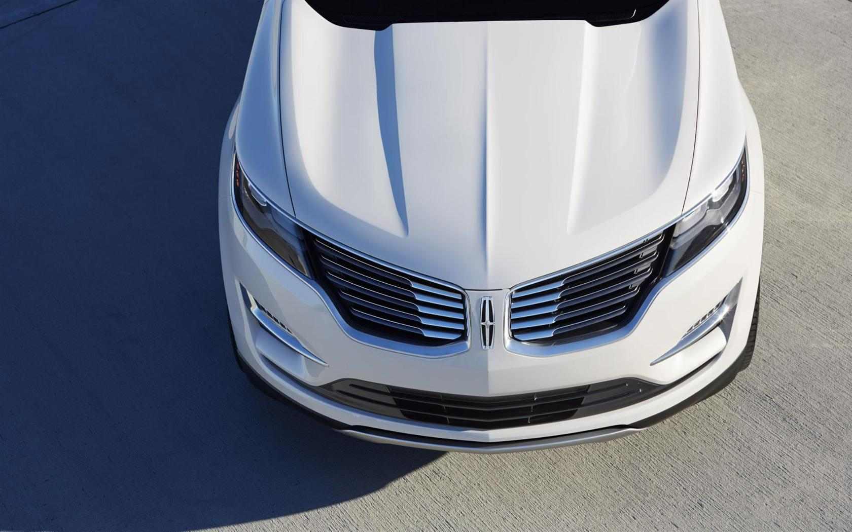 Lincoln-MKC-Concept-Crossover-04-1680