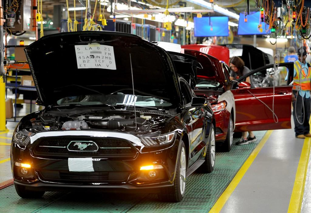 2015-ford-mustang-production-at-flat-rock-assembly-plant-michigan_100478379_l