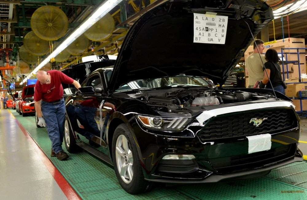 2015-ford-mustang-production-at-flat-rock-assembly-plant-michigan_100478382_l