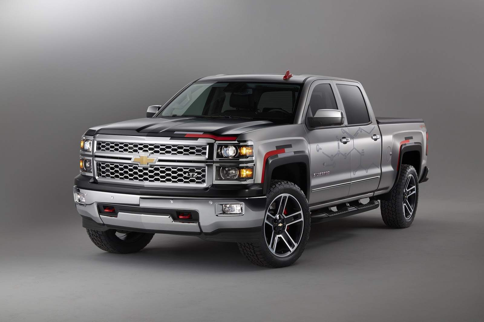 Chevrolet-Silverado-Toughnology-001 (1)