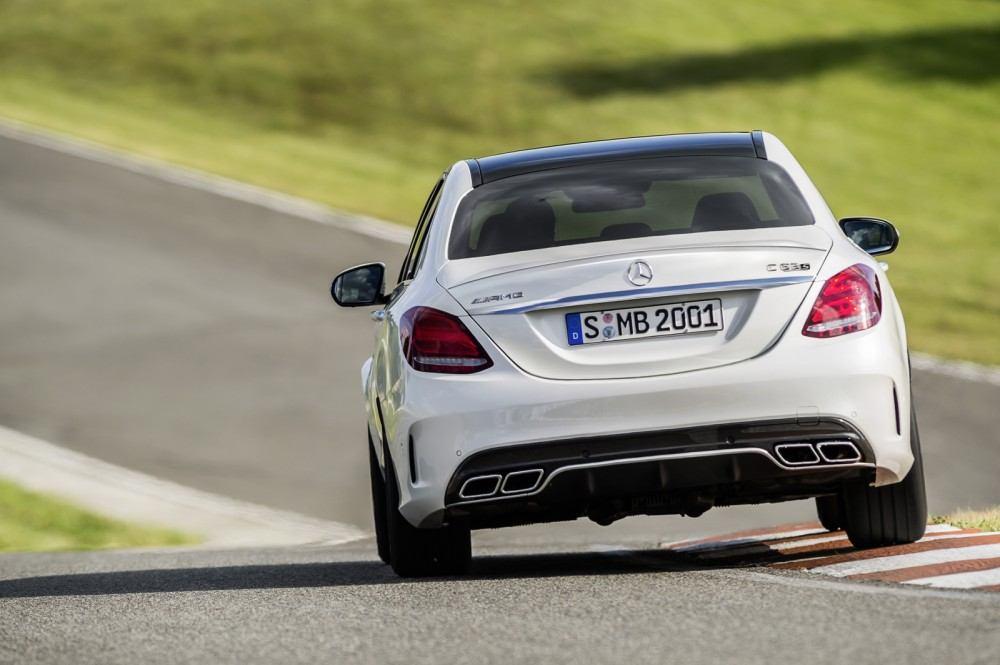 Mercedes-C63-AMG-8