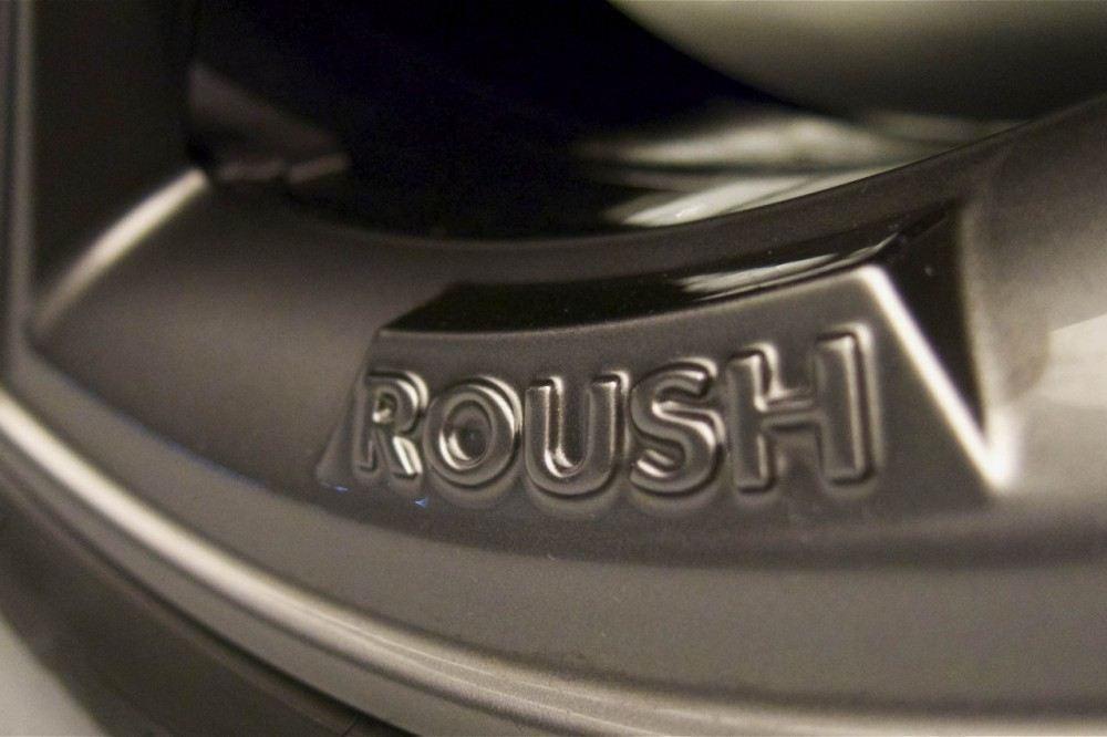 roush-2015-ford-mustang-wheel-badge
