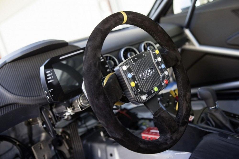 2015-audi-sport-tt-cup-race-car_100487222_l