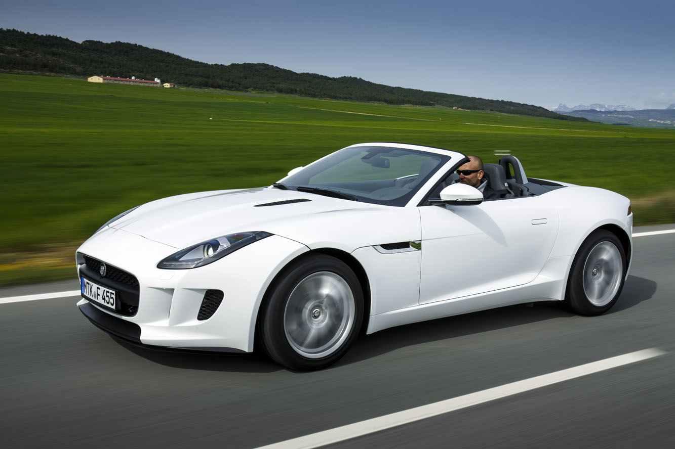Jaguar_F_TYPE_V6_016_blanc