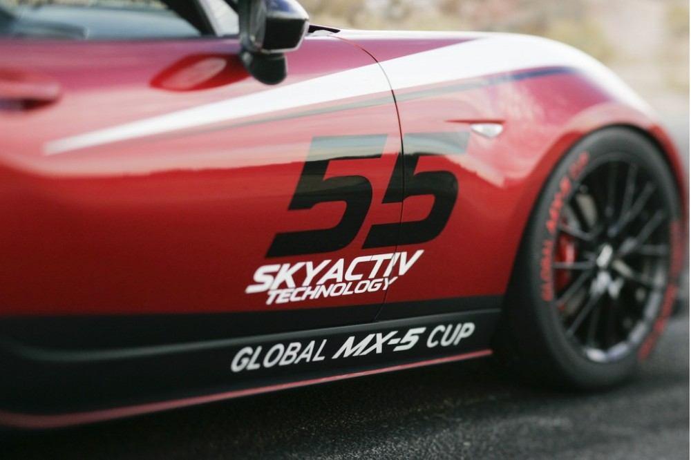 2016-mazda-global-mx-5-cup-race-car_100489059_l