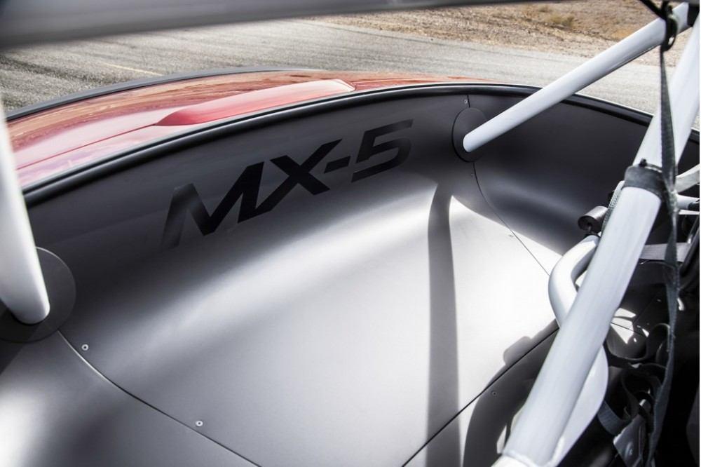 2016-mazda-global-mx-5-cup-race-car_100489065_l