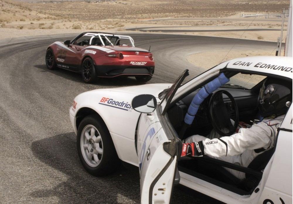 2016-mazda-global-mx-5-cup-race-car_100489066_l