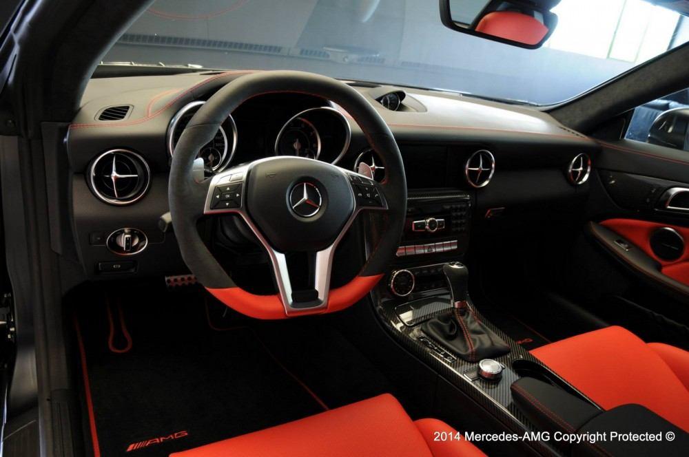 Mercedes-SLK-55-AMG-Performance-Studio-7