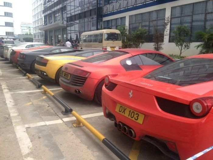 hong-kong-police-seizes-luxury-car-collection-after-arresting-street-racers-photo-gallery_4