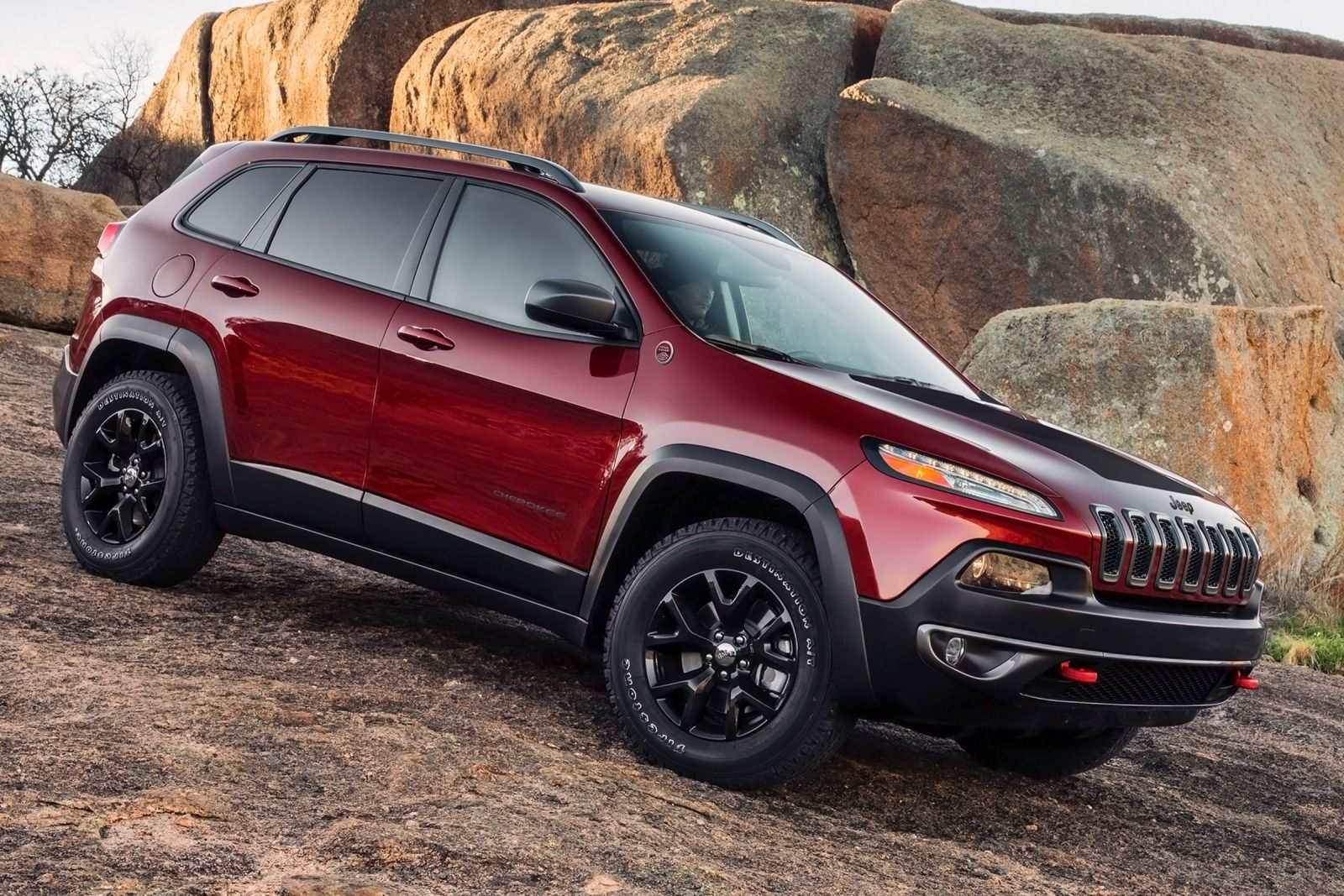 2015_Jeep_Cherokee_Sport_4dr_SUV_24L_4cyl_9A_3793441