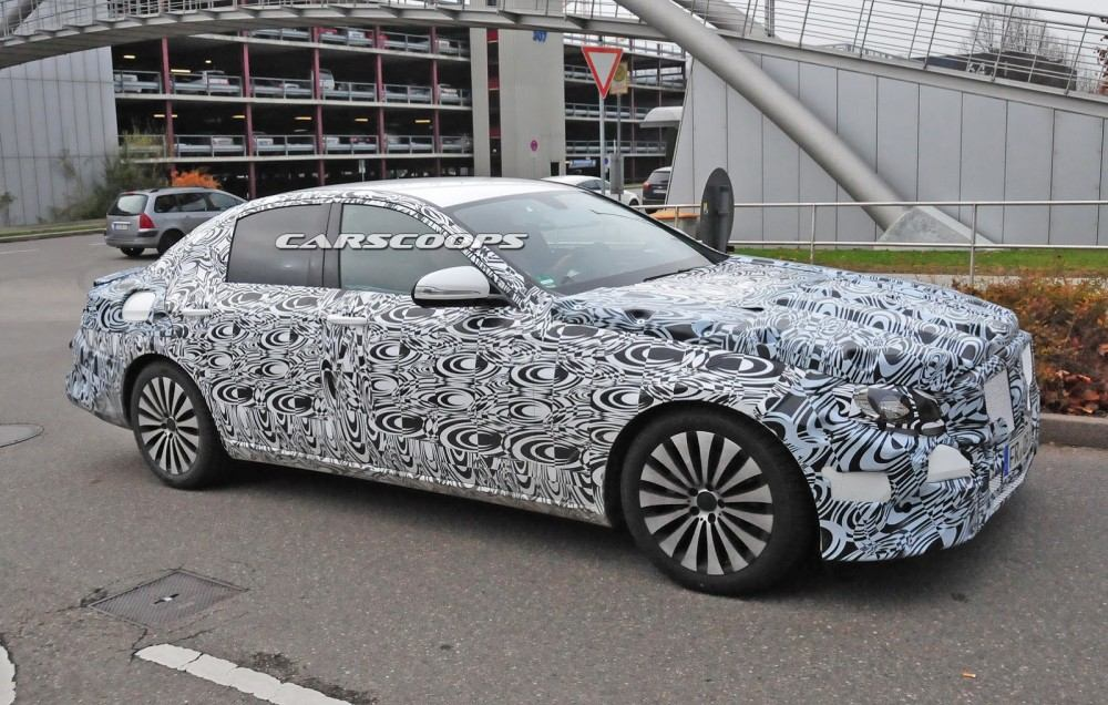 2017-Mercedes-Benz-E-Class-CSP12
