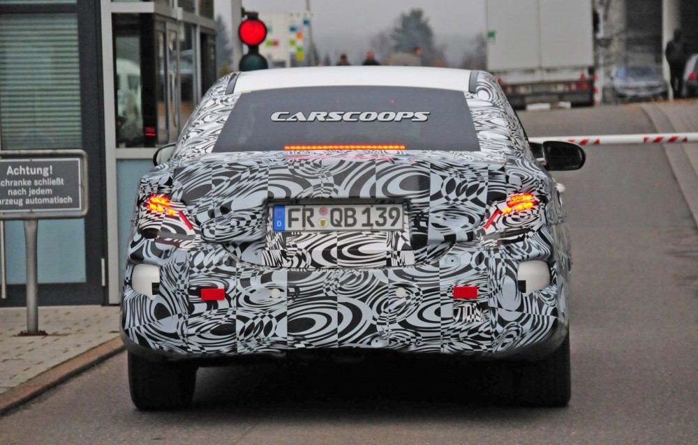 2017-Mercedes-Benz-E-Class-CSP5