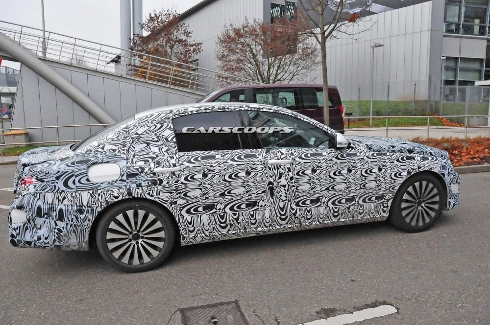 2017-Mercedes-Benz-E-Class-CSP9