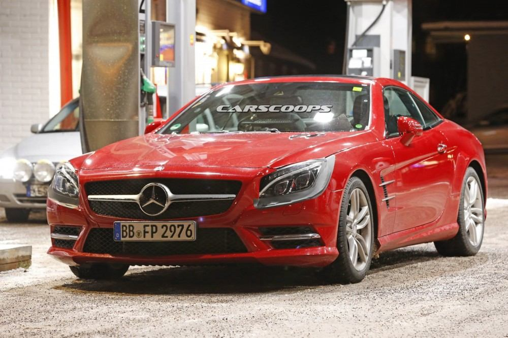 2017-Mercedes-SL-FL-1