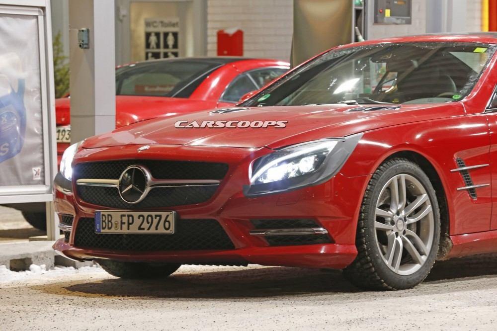 2017-Mercedes-SL-FL-2
