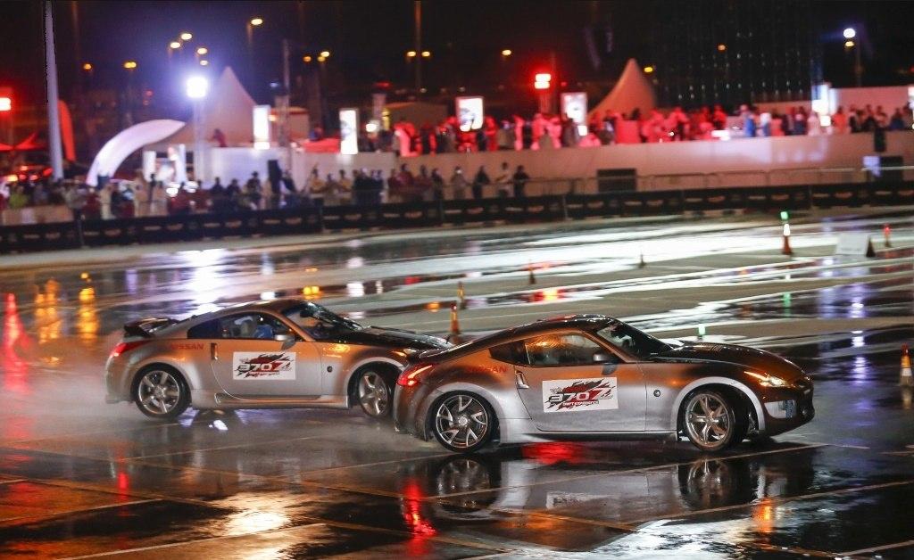 Nissan-370Z-Twin-Drift-World-Record-in-Dubai-2