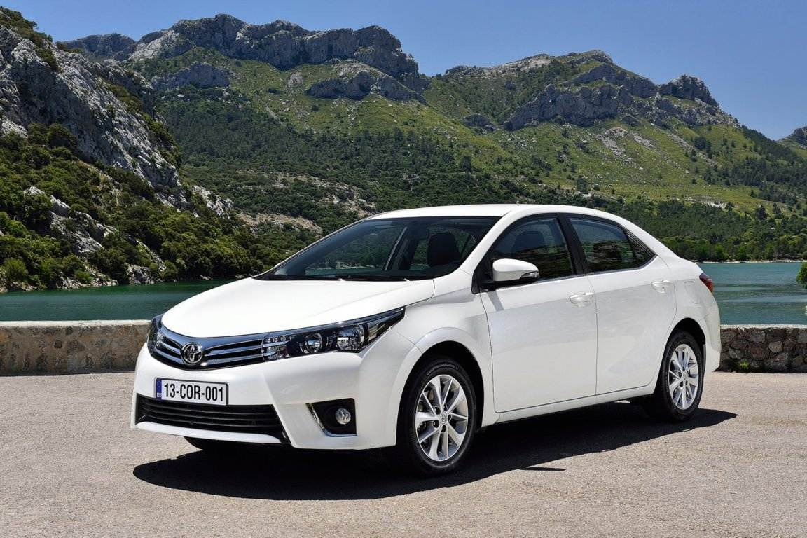 2015-toyota-corolla-l-automatic-sedan