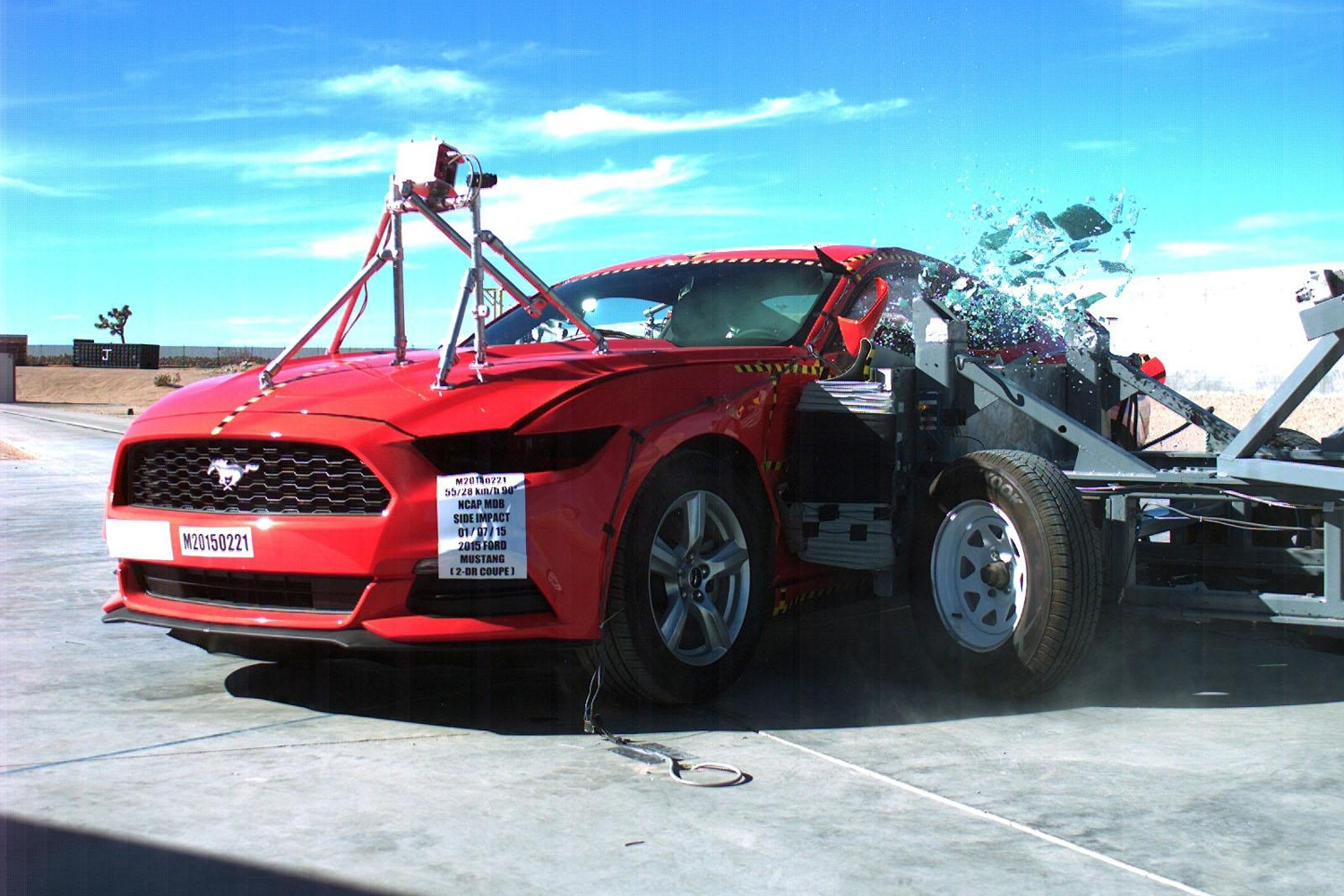 2015-ford-mustang-side-impact-test-by-nhtsa