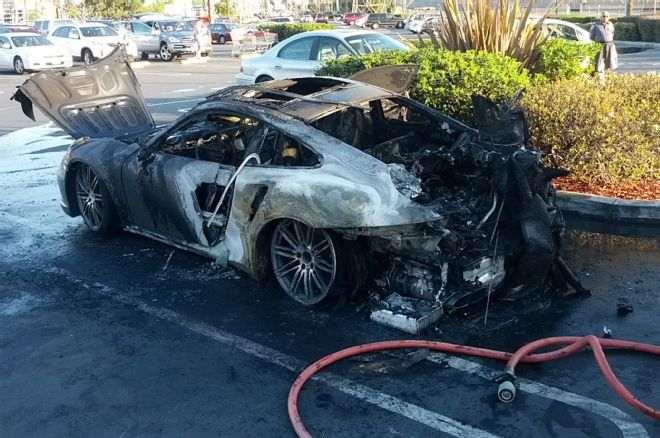 porsche-burning-fire-2014-911s-turbo-flames-parked-firemen-004