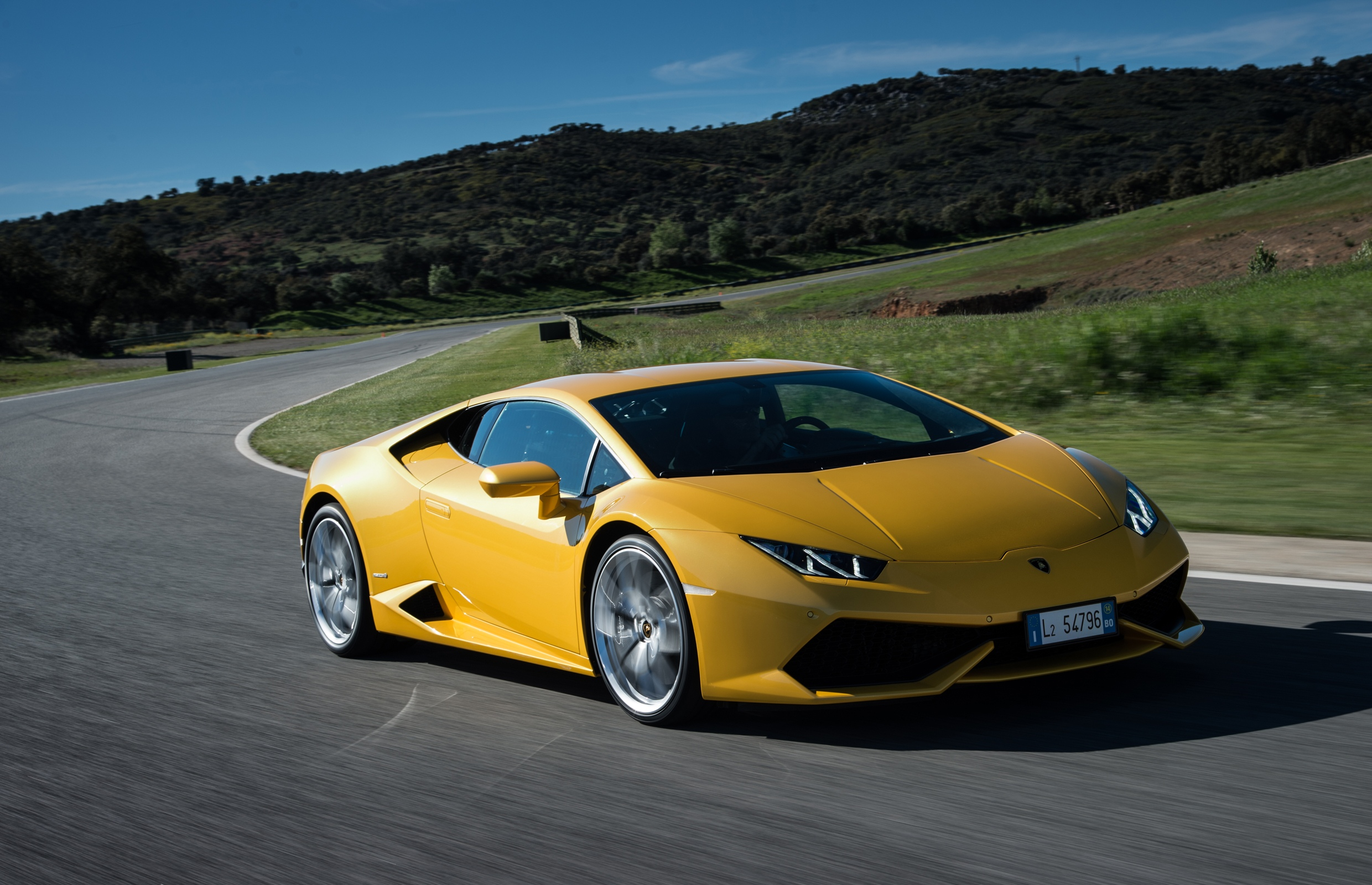 Lamborghini-Huracan-LP-610-4-Yellow