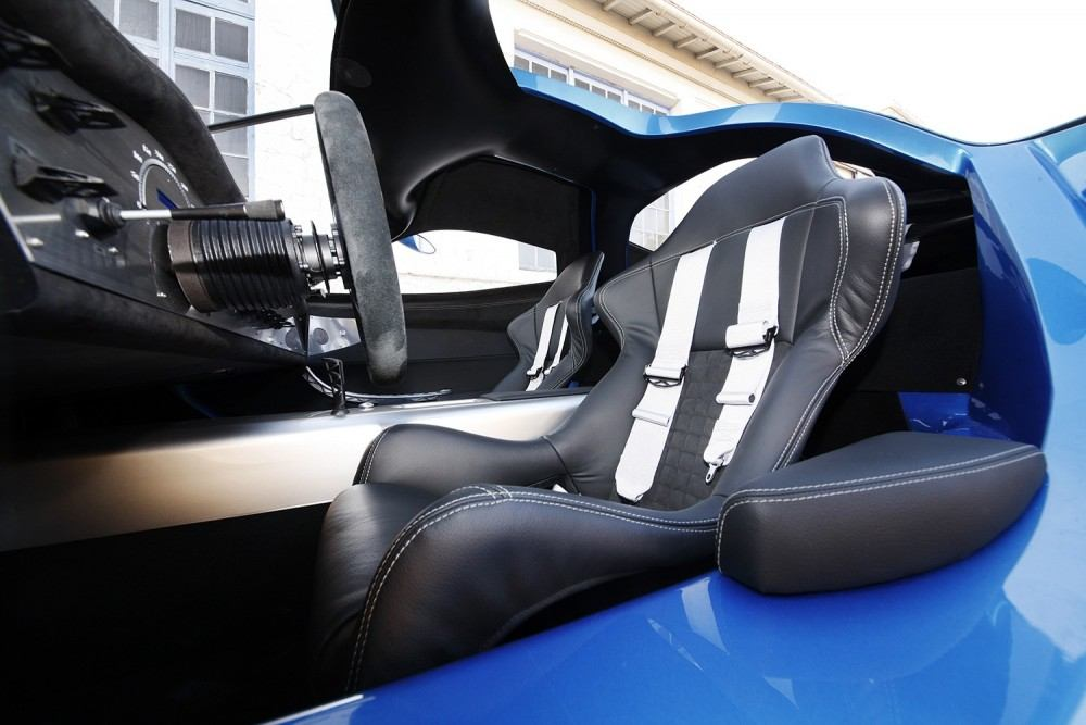 1mw-toroidion-supercar-makes-a-debut-in-monaco-during-top-marques-photo-gallery_12