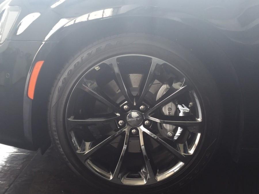 2015-Chrysler-300-SRT-4
