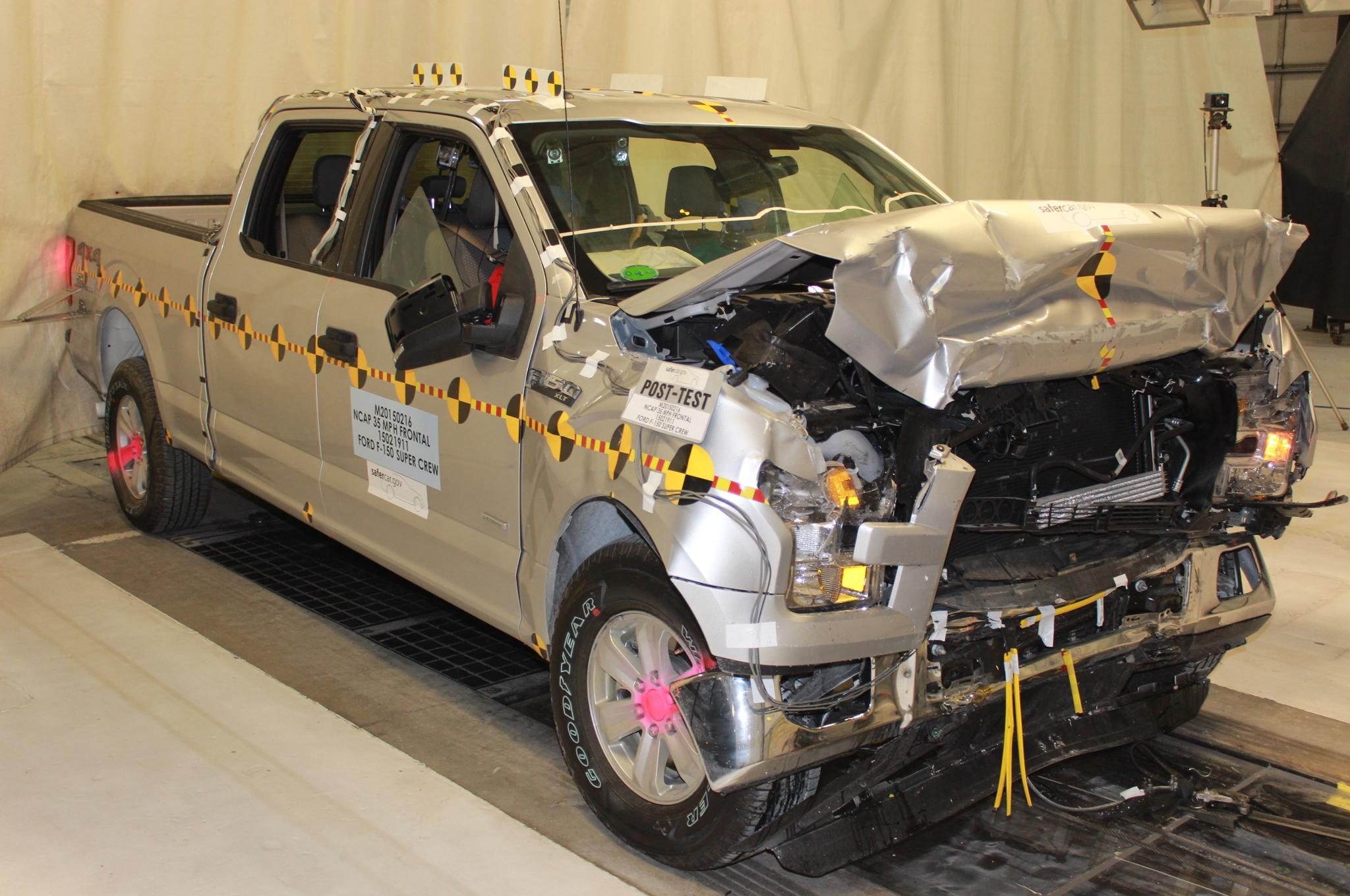 2015-ford-f-150-supercrew-nhtsa-test-front-three-quarter-crash