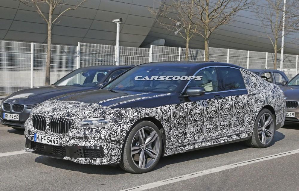 2016-BMW-7-Series-M-Sport-5