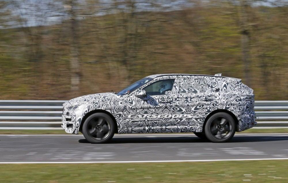 2016-Jaguar-F-Pace-6CUV