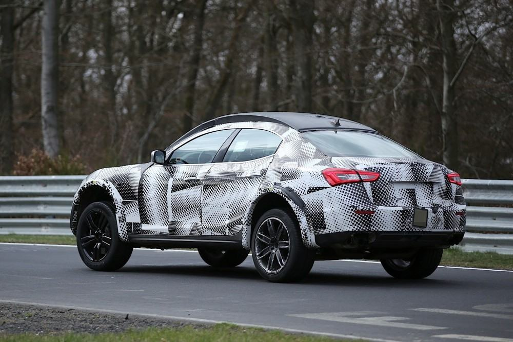 2016-maserati-levante-suv-hits-the-nurburgring-out-for-porsche-cayenne-blood_2
