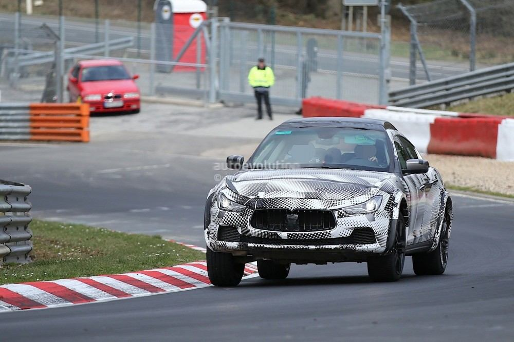2016-maserati-levante-suv-hits-the-nurburgring-out-for-porsche-cayenne-blood_3
