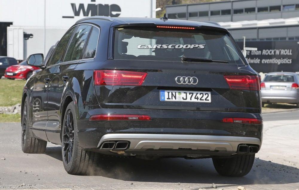 2017-Audi-SQ7-4