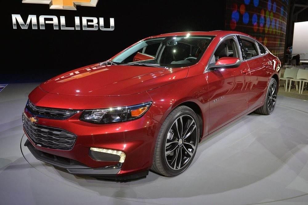 m_2016-Chevy-Malibu-Hybrid-3