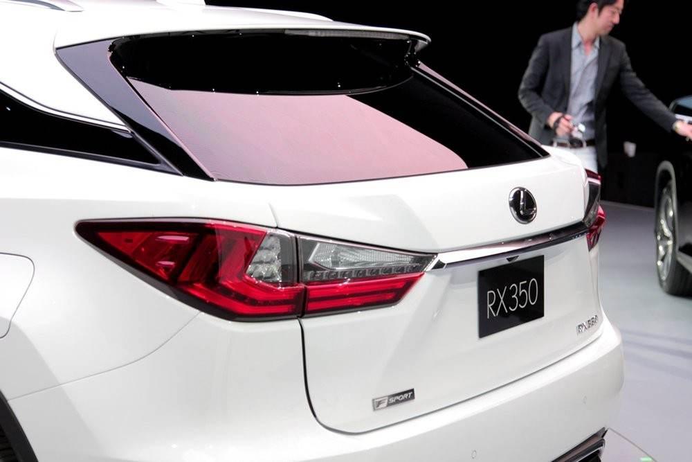 m_2016-Lexus-RX-Live-6