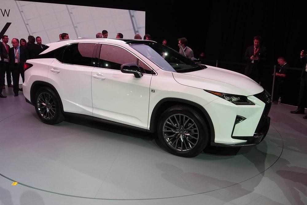 m_2016-Lexus-RX-Side-01