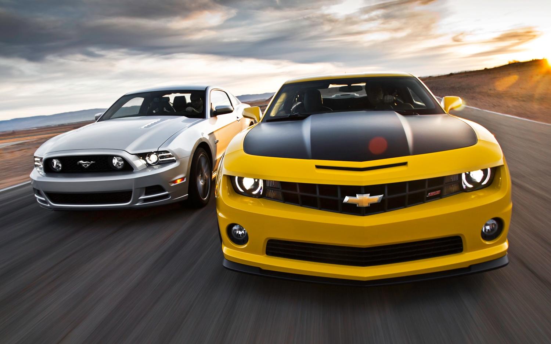 2013-chevrolet-camaro-vs-2013-ford-mustang-gt-03